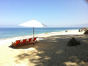 Activity_Releax_Chairs-on-the-beach-small